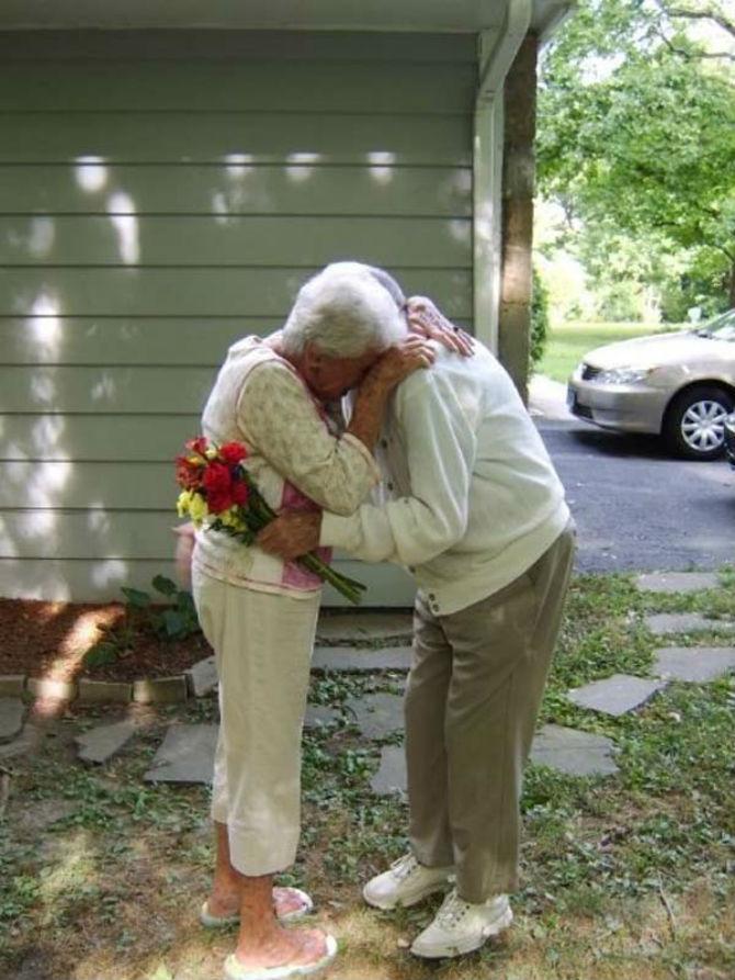 Iubire - Alzheimer: 1-0. Cu amintirile rapite de boala, inima lui a ra - Poza 1