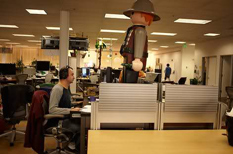In ce conditii lucreaza angajatii Facebook? - Poza 23