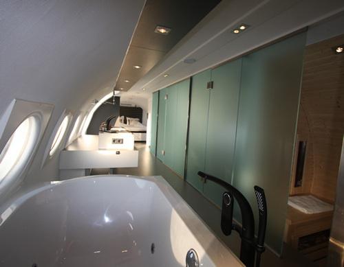 Hotel intr-un avion - Poza 3