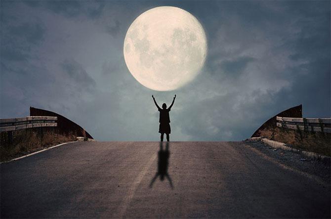 Cu luna la joaca, de Adrian Limani - Poza 1