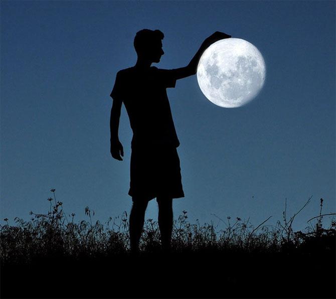 Cu luna la joaca, de Adrian Limani - Poza 2