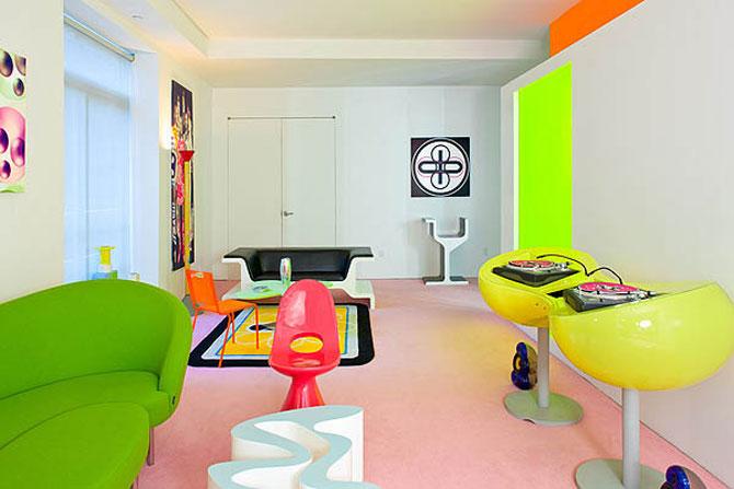 Apartament de designer: Neon si linii bizare de Rashid