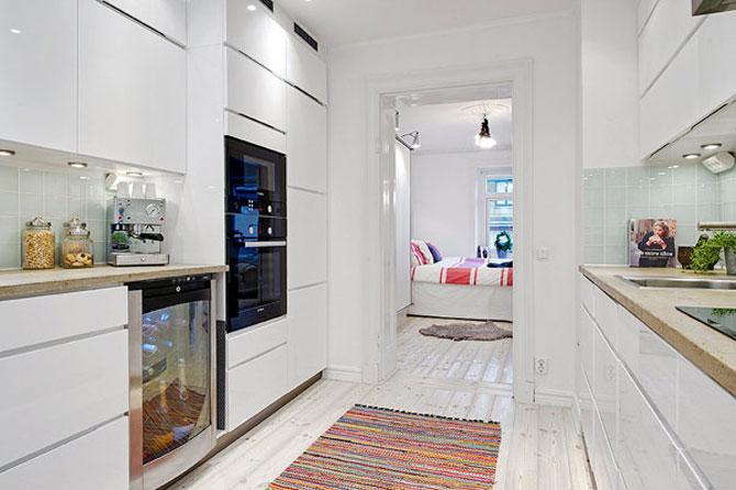 Un apartament ca un curcubeu pe fundal alb, in Suedia - Poza 10