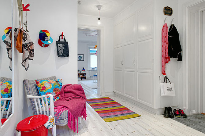 Un apartament ca un curcubeu pe fundal alb, in Suedia - Poza 14