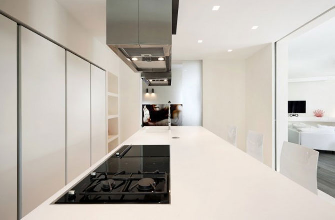 Calcaiul minimalist al lui Ahile la Roma - Poza 8