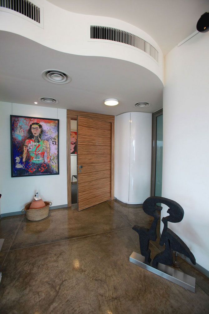 Apartament cu vedere la munte si mare in Beirut - Poza 3