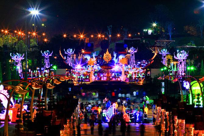Lotusi cu doua milioane de petale din Thailanda - Poza 2