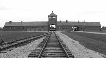 ÃŽnapoi la Auschwitz - Poza 1