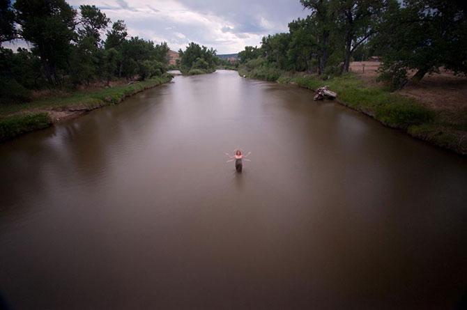 Siluete feminine fantomatice, fotografiate cu expunere lunga - Poza 9