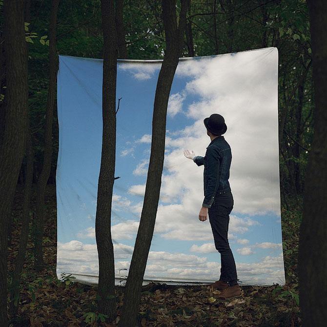 Autoportrete suprarealiste a la Magritte, de Logan Zillmer - Poza 5