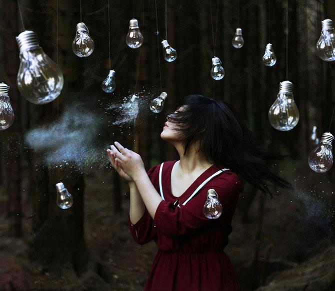 Autoportrete suprarealiste la 18 ani, de Xin Li - Poza 1
