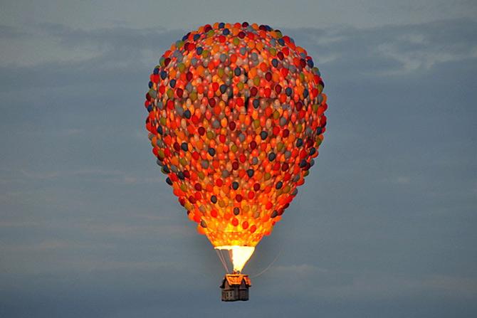 Inconjurul lumii in 540 de baloane Disney - Poza 1