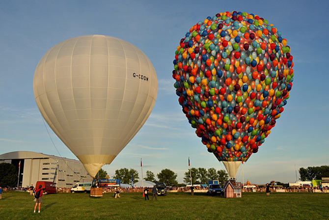 Inconjurul lumii in 540 de baloane Disney - Poza 5