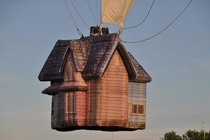 Inconjurul lumii in 540 de baloane Disney - Poza 8