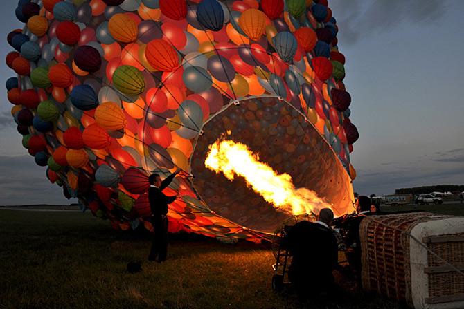 Inconjurul lumii in 540 de baloane Disney - Poza 9
