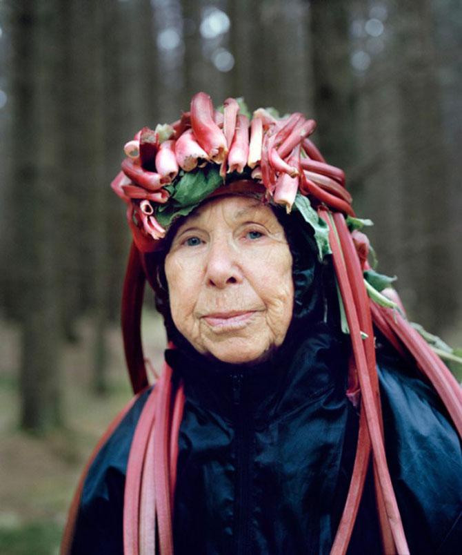 Batranii din Finlanda poarta lucruri ciudate pe cap - Poza 2