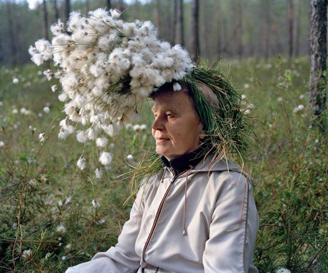 Batranii din Finlanda poarta lucruri ciudate pe cap - Poza 4