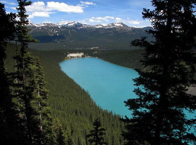 30 de fotografii superbe ale lacului Louise - Poza 12