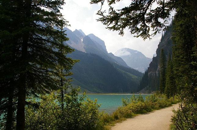 30 de fotografii superbe ale lacului Louise - Poza 15