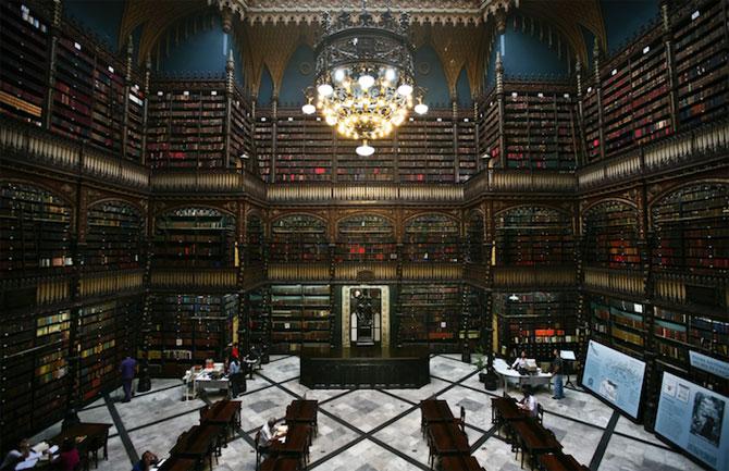 Superba Biblioteca Regala Portugheza de la Rio de Janeiro - Poza 1