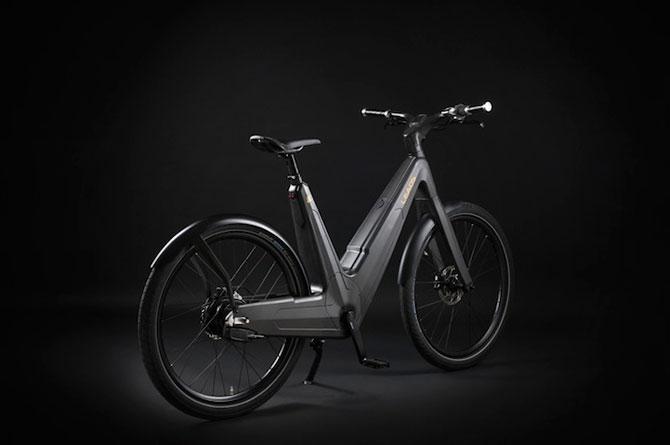 Bicicleta electrica din fibra de carbon, perfecta pentru navetisti - Poza 6