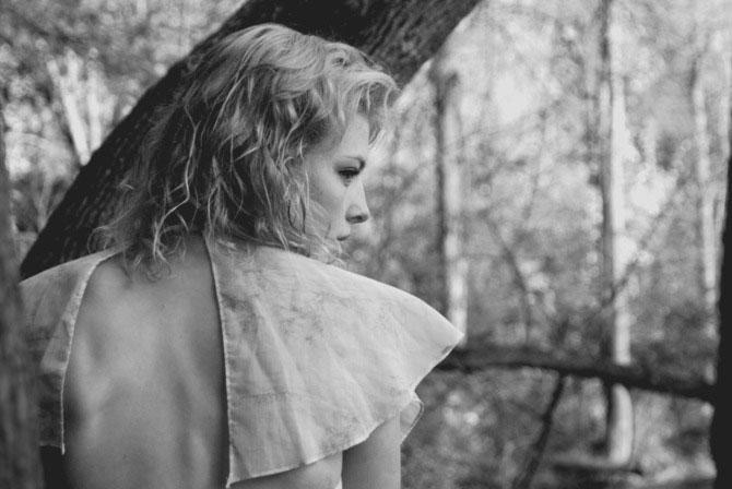 Corpuri, chipuri in alb-negru, de Sarah Kjelleren - Poza 11