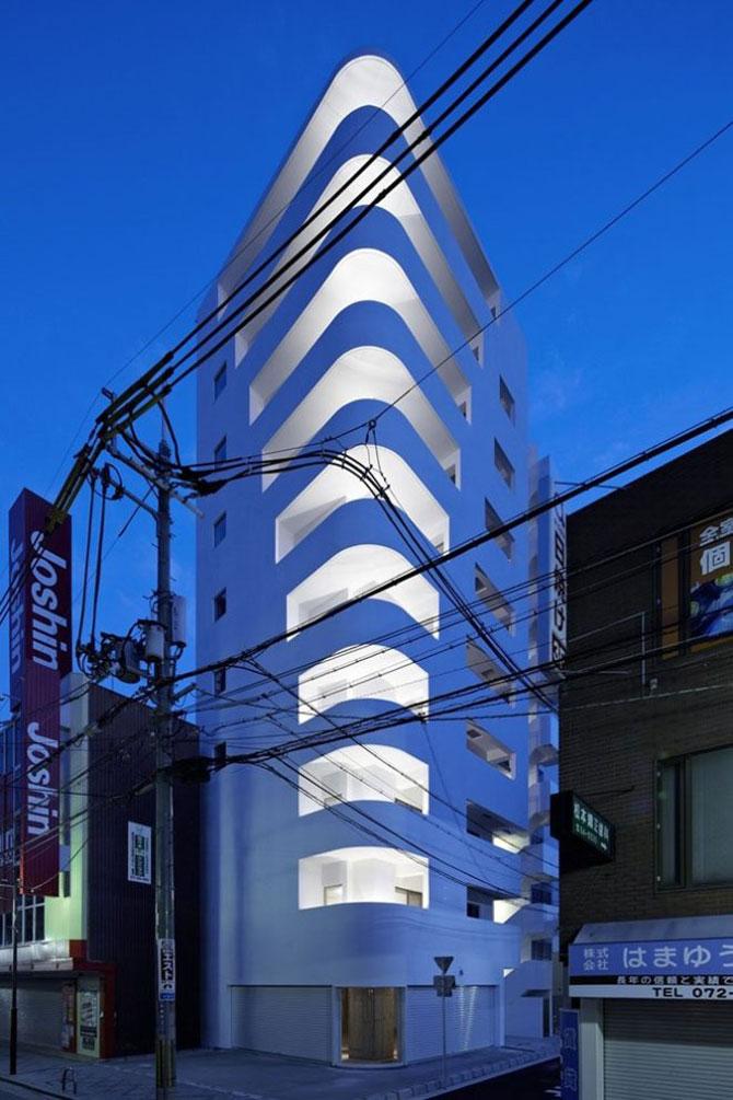 Cladirea in trepte din Osaka - Poza 1