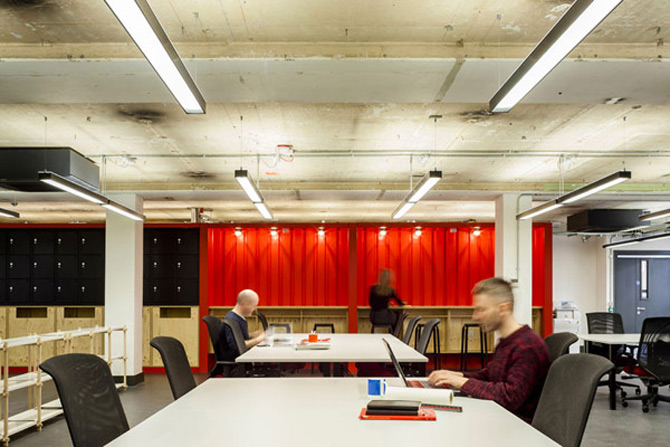 La joaca, la cursuri, la Campusul Google din Londra - Poza 5