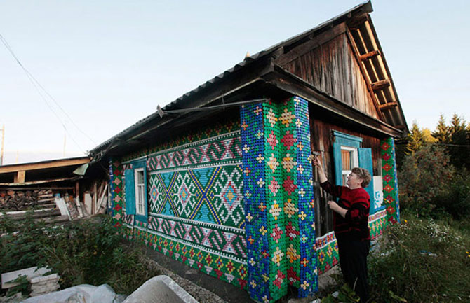 Casa decorata cu 30.000 de capace Rusia