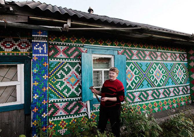 Casa decorata cu 30.000 de capace de o pensionara rusoaica - Poza 2