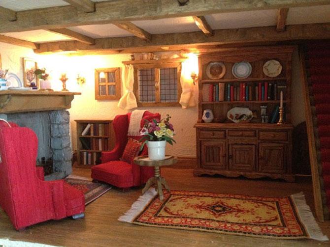 Casa-miniatura in copac, de Maddie Brindley - Poza 5
