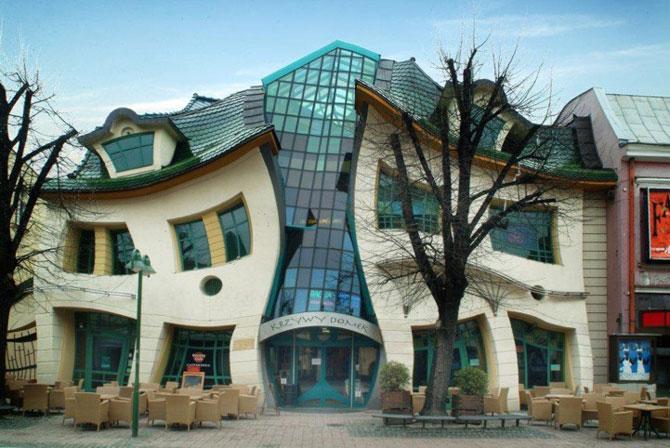 Mall-ul din Casa Stramba, in Polonia - Poza 6