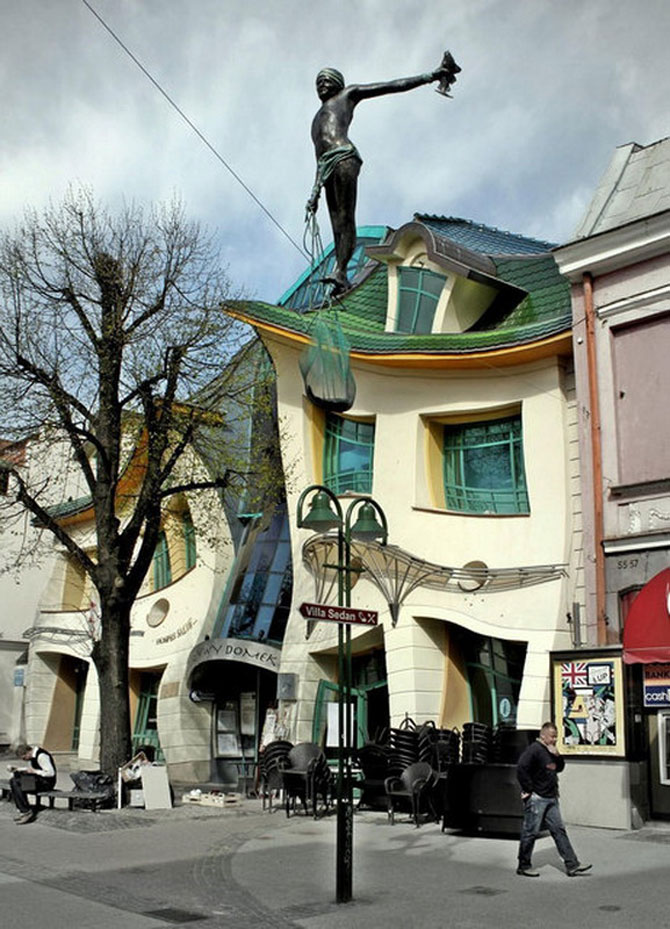 Mall-ul din Casa Stramba, in Polonia - Poza 11