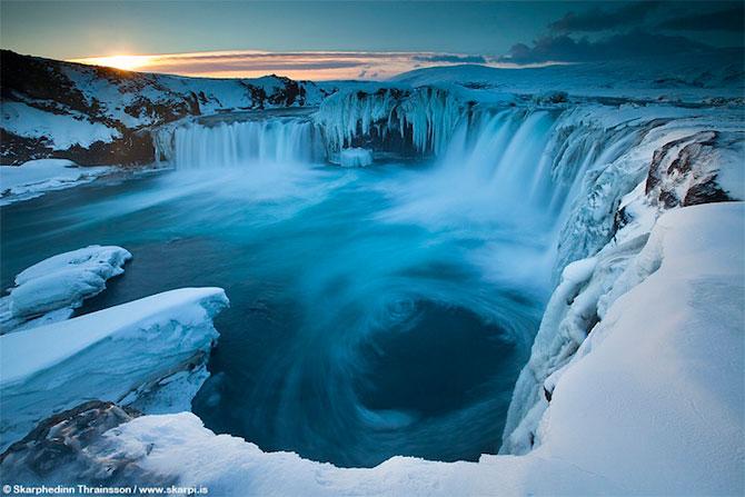 Fotografii incredibile cu Cascada Godafoss, Islanda - Poza 1