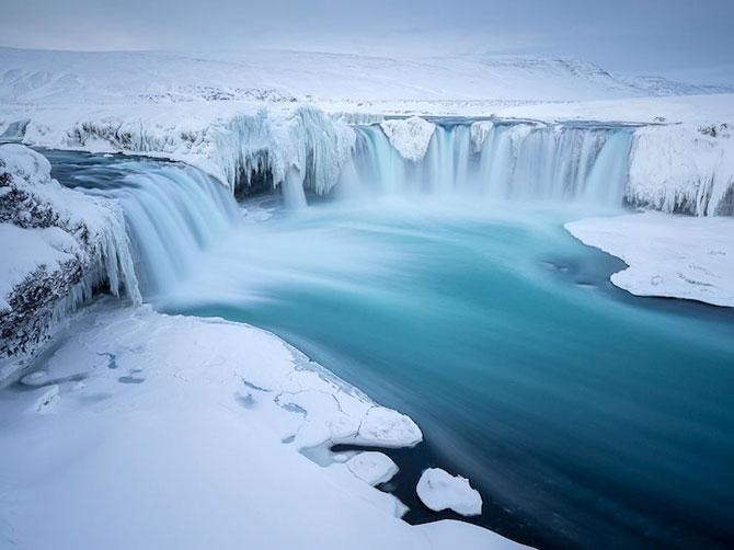 Fotografii incredibile cu Cascada Godafoss, Islanda - Poza 11