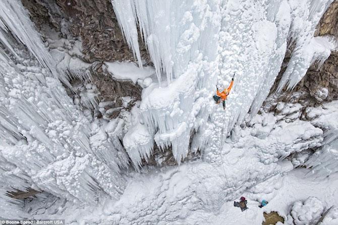 12 imagini incredibile cu cascade inghetate - Poza 1