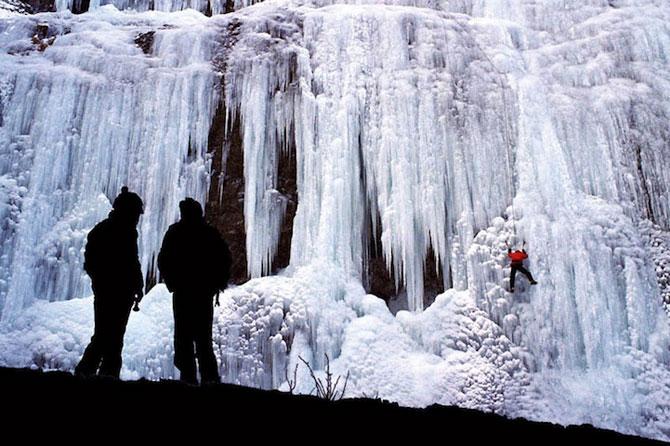 12 imagini incredibile cu cascade inghetate - Poza 7