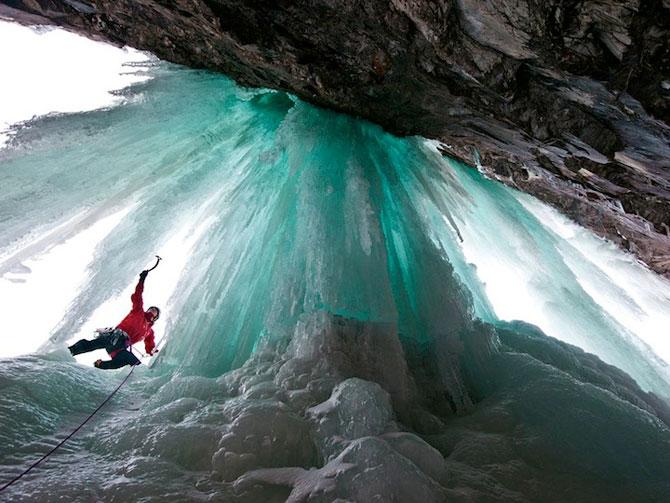 12 imagini incredibile cu cascade inghetate - Poza 8