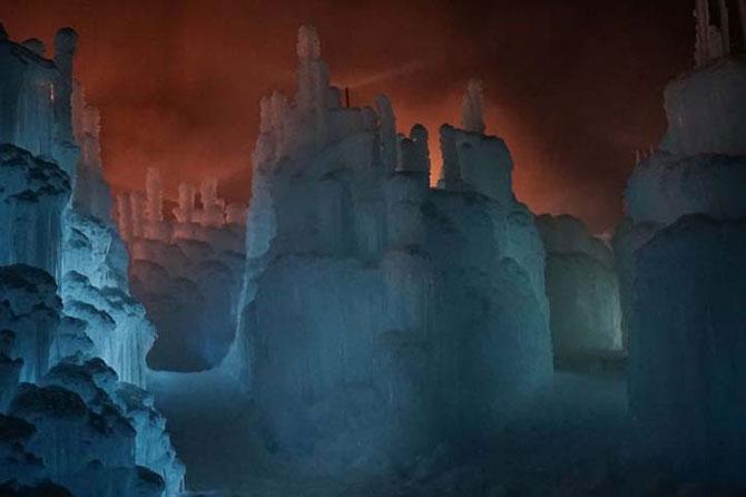 Castele din 9 tone de gheata - Poza 2