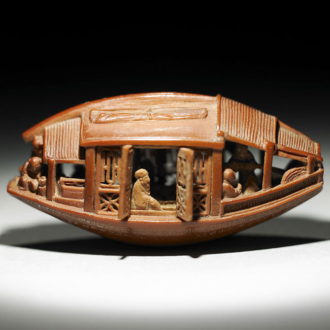 O barca sculptata intr-un sambure de maslina, din 1737 - Poza 1