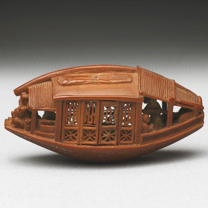 O barca sculptata intr-un sambure de maslina, din 1737 - Poza 2