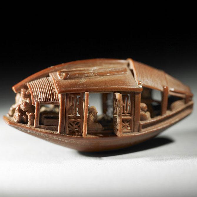 O barca sculptata intr-un sambure de maslina, din 1737 - Poza 3