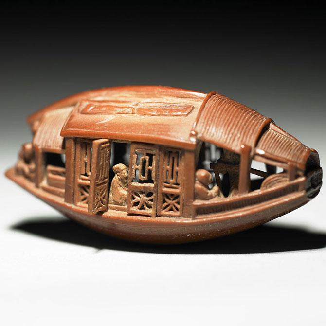 O barca sculptata intr-un sambure de maslina, din 1737 - Poza 4