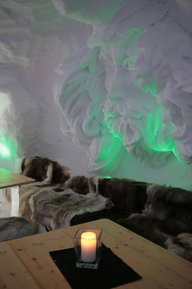 Hotelul de gheata cu chipuri sculptate in pereti - Poza 1
