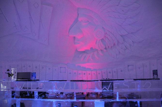 Hotelul de gheata cu chipuri sculptate in pereti - Poza 7