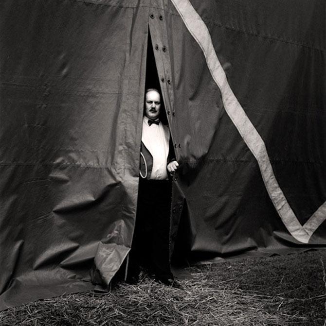 Circ alb-negru, de Andrew Shaylor