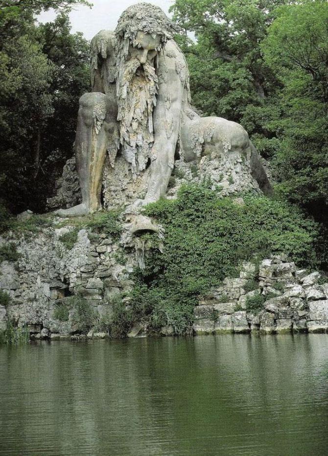 Titanul batran de 6 secole din Florenta - Poza 1