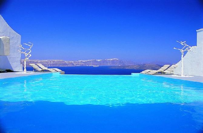 Splendoare in Santorini – Complexul Astartes