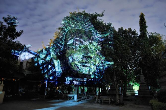 Spiritele copacilor - o instalatie cu lumina si zei - Poza 6