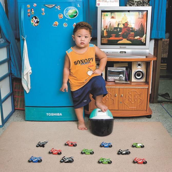 Copiii din lumea intreaga si jucariile lor - Poza 5